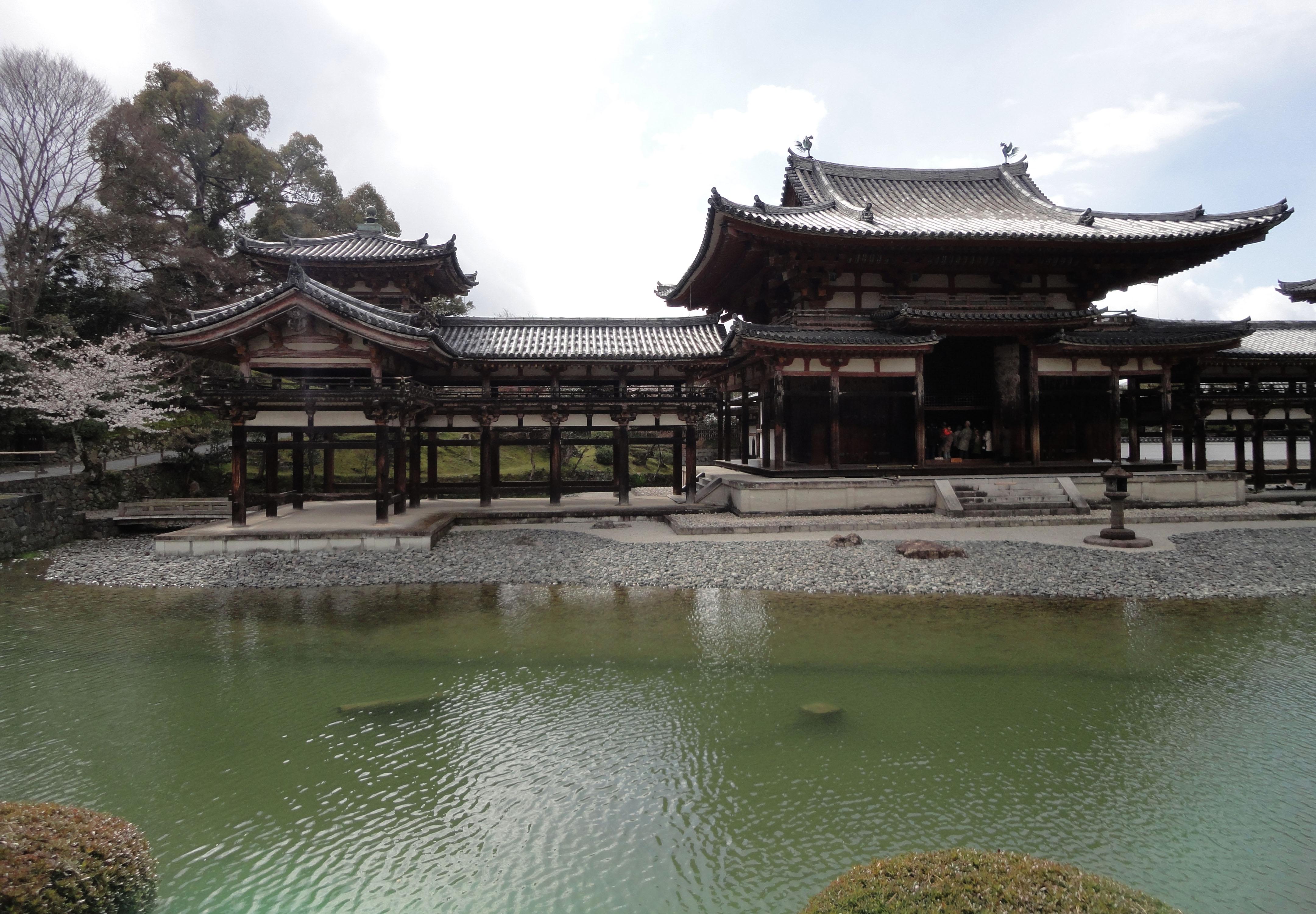 Byodo in temple Phoenix Hall Jodo shiki garden pond views Japan 02