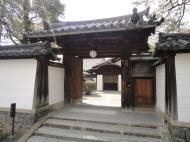 Asisbiz Byodo in Buddhist temple left side entrance Phoenix Hall Kyoto Japan 01