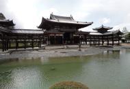 Asisbiz Byodo in temple Phoenix Hall Architecture Kyoto Japan 05