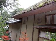 Asisbiz Kinkaku ji Temple 14 Thatched Roof houses Kyoto Japan Nov 2009 02