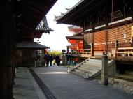 Asisbiz Otowa san Kiyomizu dera main hall shrine room Nov 2009 40