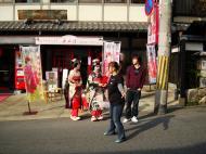 Asisbiz Traditional Japanese Komono Costumes Kiyomizu dera Kyoto Nov 2009 01