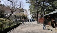Asisbiz Kofuku ji Temple area walk way to the Nara National Museum 01