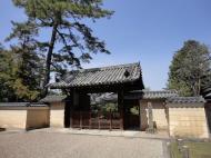 Asisbiz Kofuku ji Temple area walk way to the Nara National Museum entrance 02