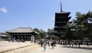 Asisbiz Tokon do Hall and adjoining five story pagoda Nara Japan 04