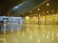 Asisbiz Osaka International Airport KIX RJBB Japan Nov 2009 01