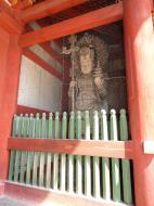Asisbiz 1 Todai ji Buddhist temple complex middle gate guardian statues 01