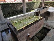 Asisbiz 5 Todai ji oustide drinking fountain 01