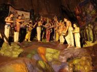Asisbiz Hindu statues Art Selangor Sri Subramaniam Kovil Batu Caves Sep 2000 01