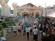 Asisbiz KL Maha Vihara Temple Wesak Day May 2001 19