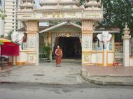 Asisbiz Penang Dhammikarama Burmese Temple Burmah Lane Mar 2001 01