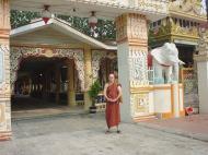 Asisbiz Penang Dhammikarama Burmese Temple Burmah Lane Mar 2001 02