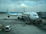 Asisbiz Singapore Airlines Jun 2001 01