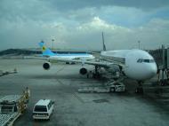 Asisbiz Uzbekistan Airlines Jun 2001 01