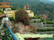 Asisbiz Penang Ke Lok Tempel Mar 2001 02