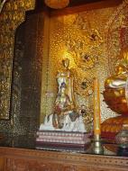 Asisbiz Penang Ke Lok Tempel Ornate Buddhas Mar 2001 04