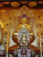 Asisbiz Penang Ke Lok Tempel Ornate Buddhas Mar 2001 05
