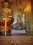 Asisbiz Penang Ke Lok Tempel Ornate Buddhas Mar 2001 06