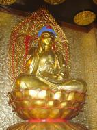Asisbiz Penang Ke Lok Tempel Ornate Buddhas Mar 2001 07