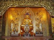 Asisbiz Penang Ke Lok Tempel Ornate Buddhas Mar 2001 09