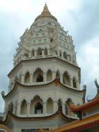 Asisbiz Penang Ke Lok Tempel Ten Thousand Buddhas Pagoda Mar 2001 01