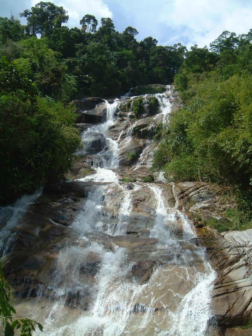 Malaysia Perak Kampar Lata Kinjang Waterfall Mar 2001 17