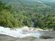 Asisbiz Malaysia Perak Kampar Lata Kinjang Waterfall Mar 2001 01