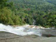 Asisbiz Malaysia Perak Kampar Lata Kinjang Waterfall Mar 2001 04