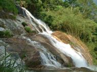 Asisbiz Malaysia Perak Kampar Lata Kinjang Waterfall Mar 2001 16