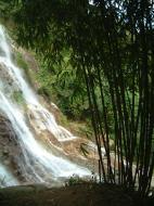 Asisbiz Malaysia Perak Kampar Lata Kinjang Waterfall Mar 2001 18