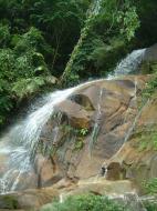 Asisbiz Malaysia Perak Kampar Lata Kinjang Waterfall Mar 2001 20