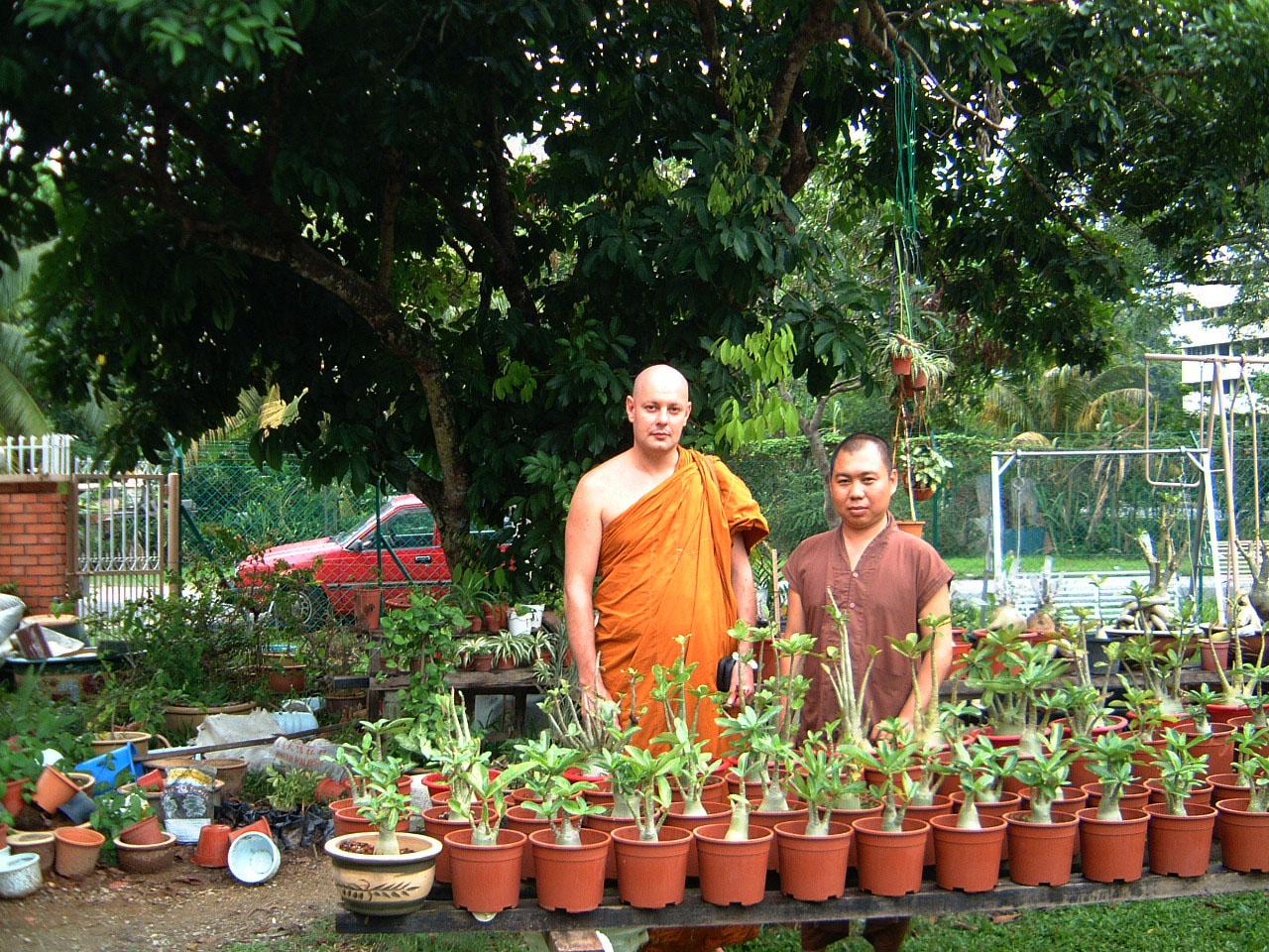 Penang Chinese Monastery Mar 2001 02