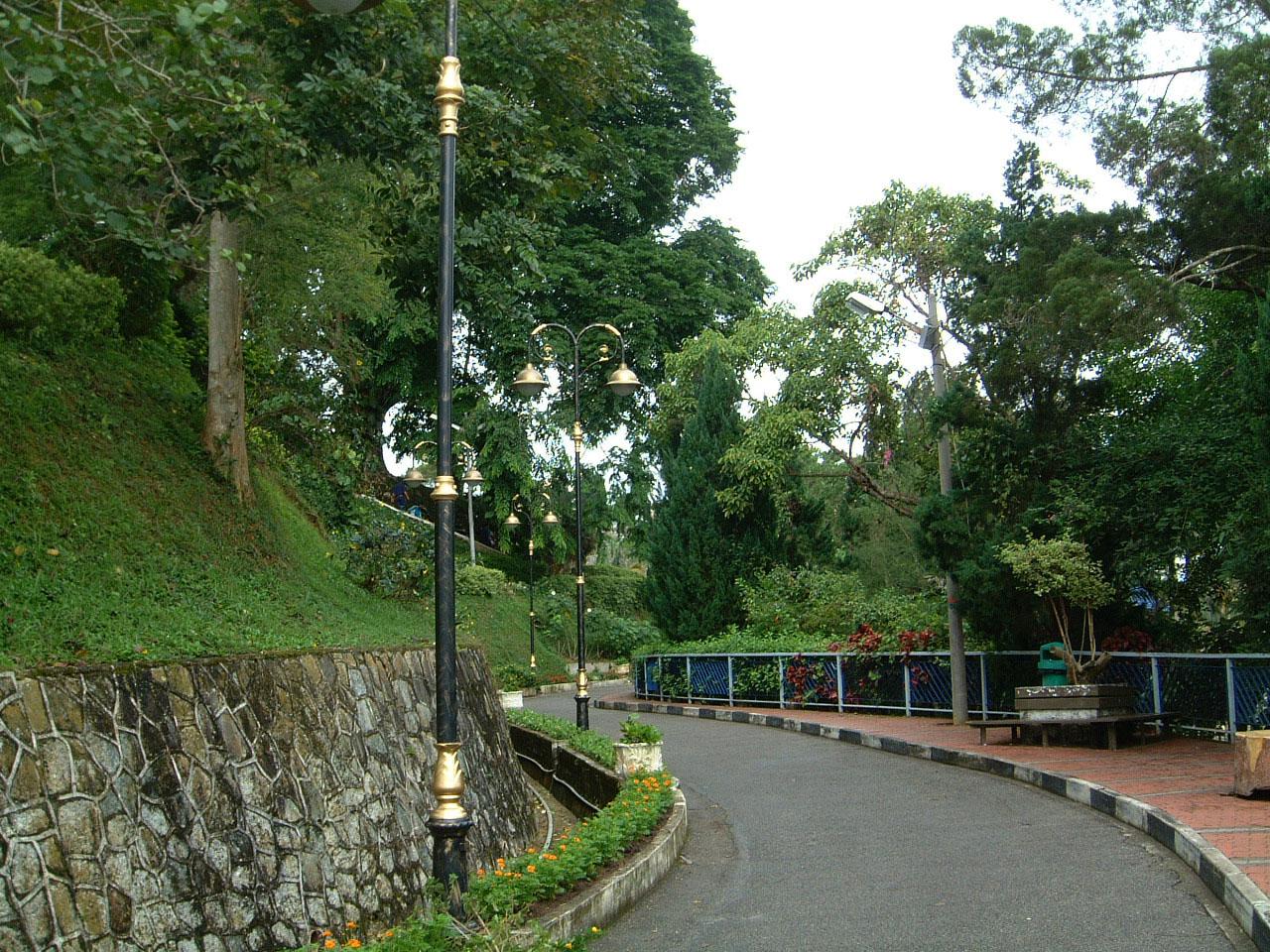 Penang Hill Bukit Bendera hilltop Mar 2001 08