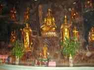 Asisbiz Ipoh Sam Poh Tong Monastery Temple Buddhas Jul 2000 01