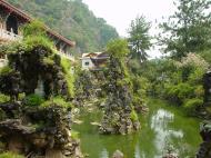 Asisbiz Ipoh San Bao Dong cave Buddhist temple Jul 2000 01