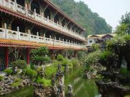 Asisbiz Ipoh San Bao Dong cave Buddhist temple Jul 2000 02