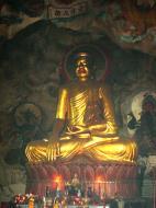 Asisbiz Ipoh San Bao Dong cave main Buddha Jul 2000 03