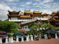 Asisbiz Kuala Lumpur Thean Hou Temple Entrance 02