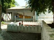 Asisbiz Amarapura Mandalay Buddha hive stupa Nov 2004 07