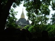 Asisbiz Ananda Pagoda Pagan Dec 2000 04