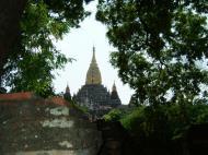 Asisbiz Ananda Pagoda Pagan Dec 2000 05