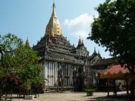 Asisbiz Ananda Pagoda Pagan Dec 2000 06