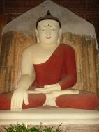 Asisbiz Myanmar Pagan main Buddha statues Dec 2000 07