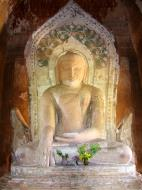 Asisbiz Myanmar Pagan main Buddha statues Nov 2004 03