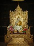 Asisbiz Bagaya Kyaung Monastery Buddha Jan 2001 01