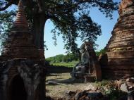 Bagaya Kyaung Monastery Pagoda Ruins Inwa Jan 2001 05