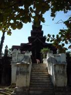 Bagaya Kyaung Monastery or Teak Monastery Jan 2001 26