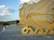 Asisbiz Bodhi Tahtaung Giant reclining Buddha Dec 2000 01