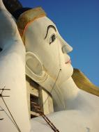 Asisbiz Bodhi Tahtaung Giant reclining Buddha Dec 2000 02