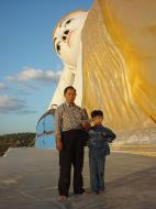 Asisbiz Bodhi Tahtaung Giant reclining Buddha Dec 2000 03
